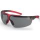 szürke/piros keret, állítható szár, karc-, pára-, vegyszerálló, szennytaszító füstszínű lencse (SV-NC)